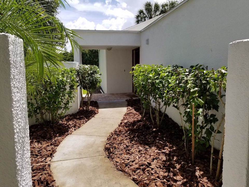 Landscape Mulching Tampa FL - After